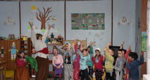 """Театър """"ИЛКОВА"""" с представление в босилеградската детска градина"""